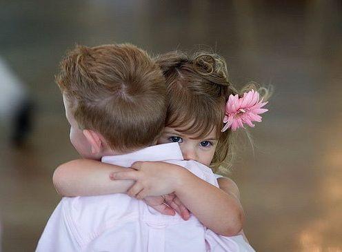 กอดแต่ละท่าบอกความรู้สึกได้! 11 ท่ากอด บอกความรู้สึกที่ต่างได้