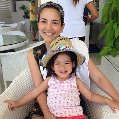 Blogger MegaSale 9 อันดับ ลูก (สาว) ดารา น่ารัก น่าเลิฟแค่ไหน มาดูกัน ^^